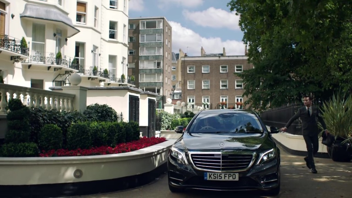 Mercedes – Benz living @ Frasers !!!